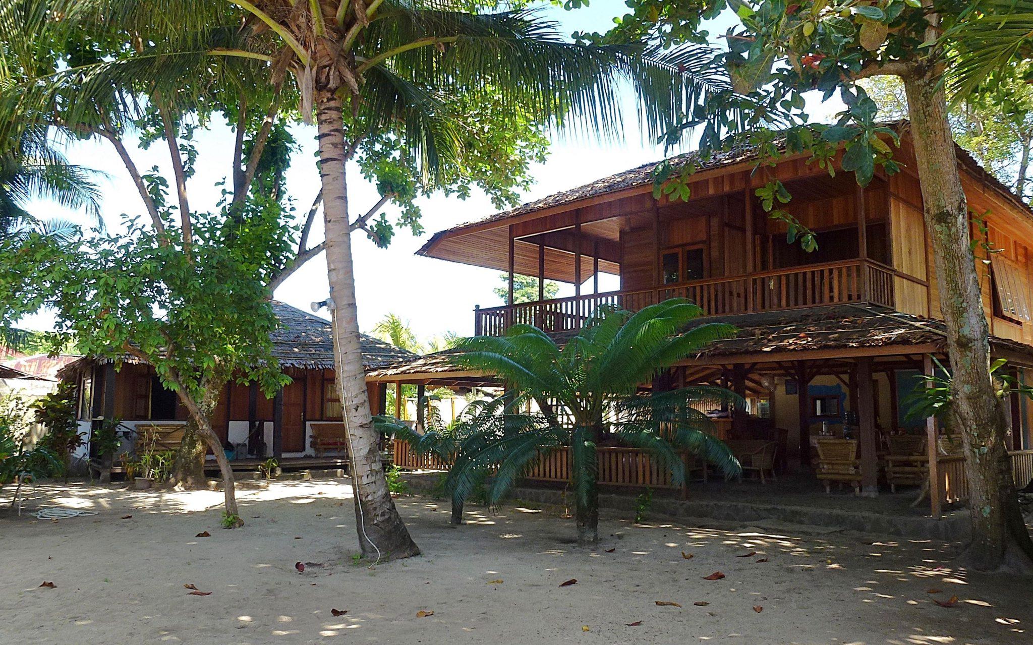 CelebesDivers Onong resort 4 1 - Celebes Divers