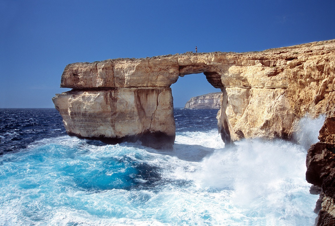 azure window storm smaller - Calypso Diving Centre